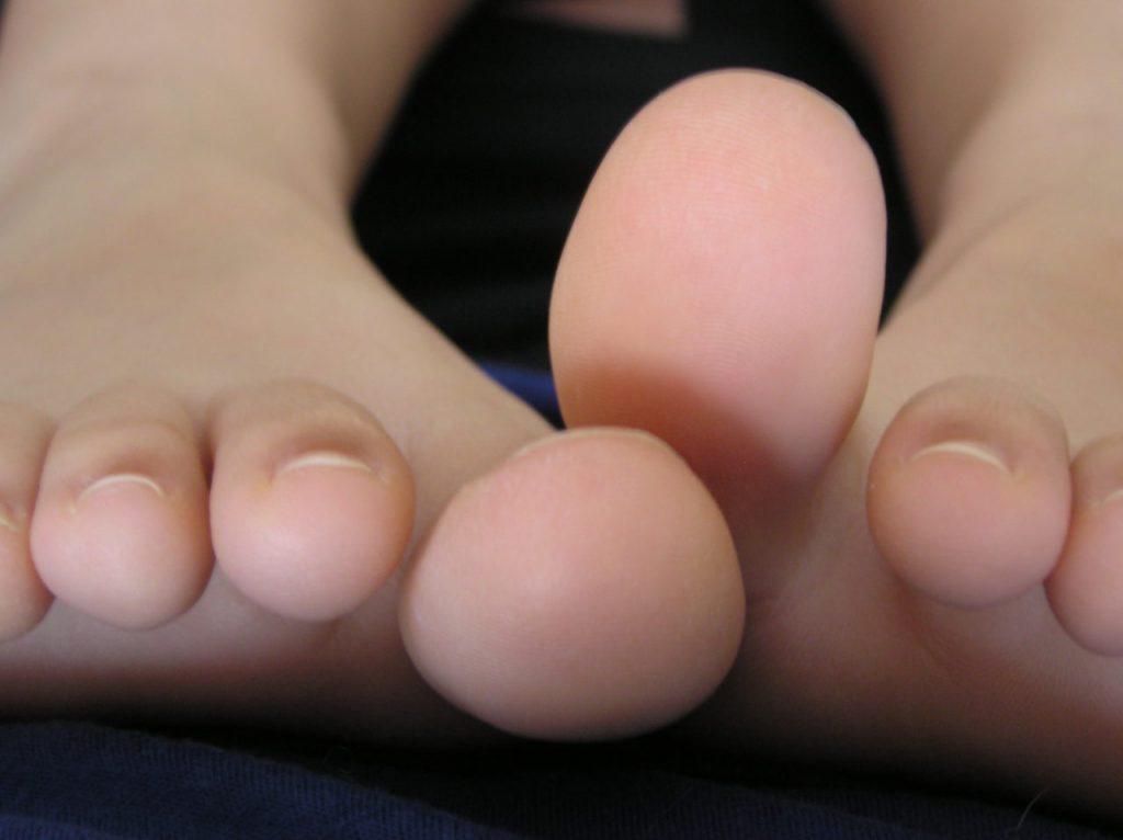 Füße_mit_Zehen